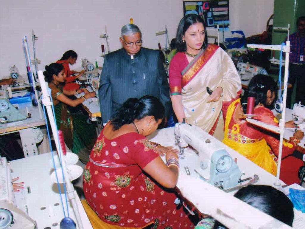 free vocational training in tailoring