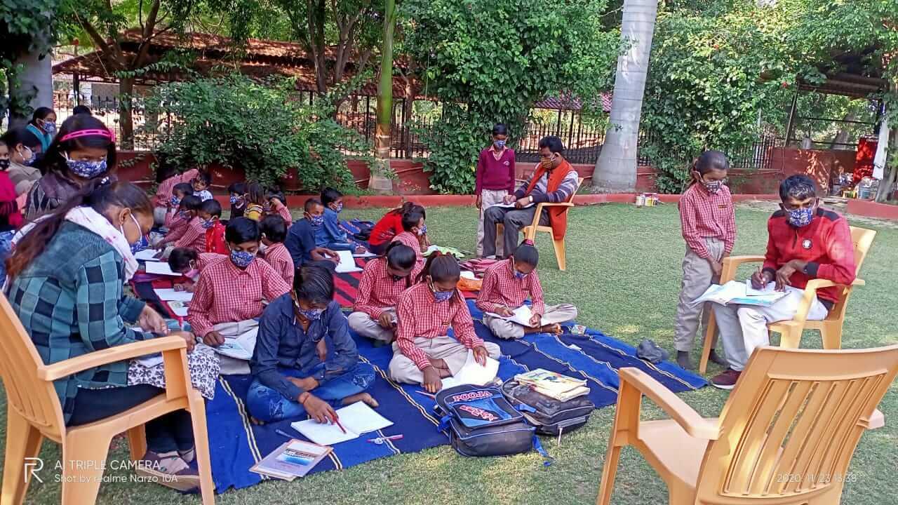 Mobile Classroom during Pandemic Shirdi Sai Baba School Niswara