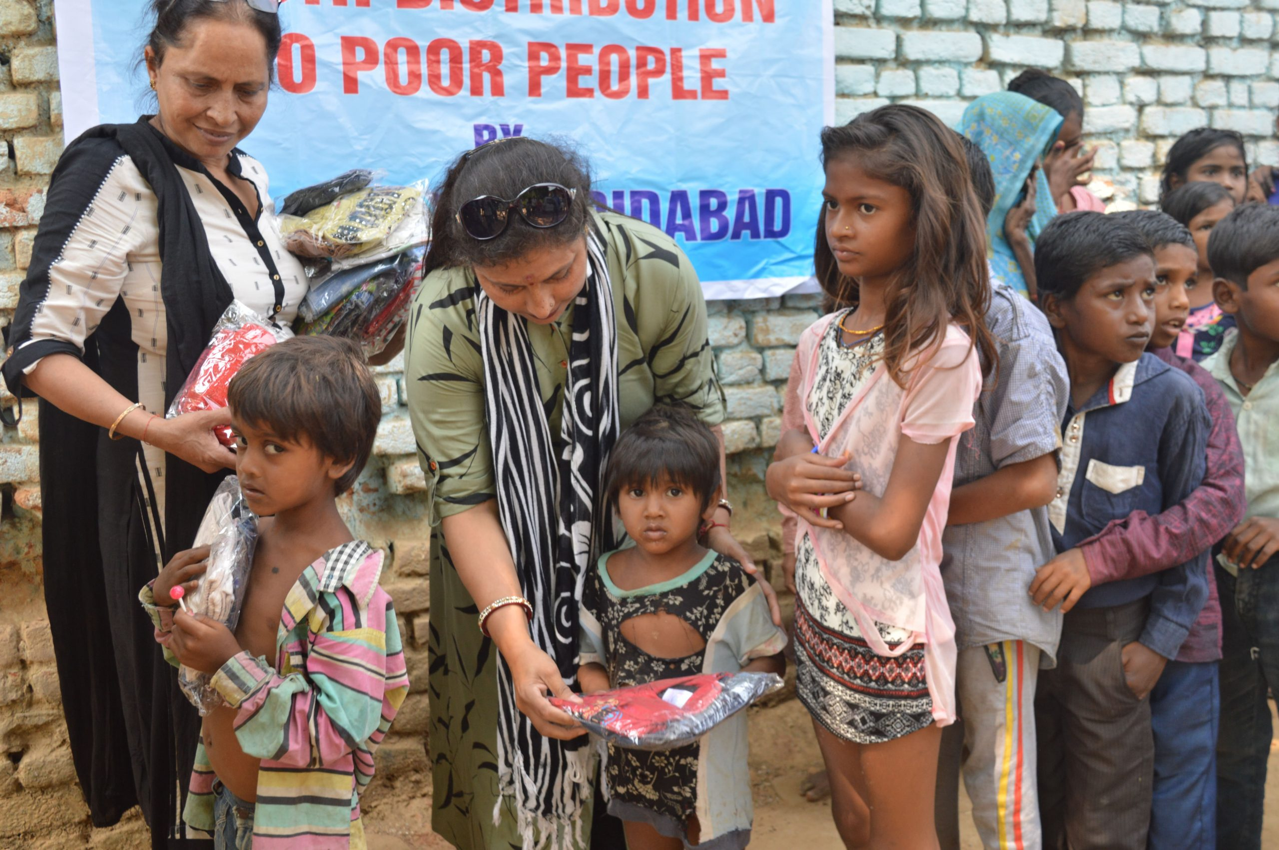 Clothes Distribution in Gurera Bundelkhand