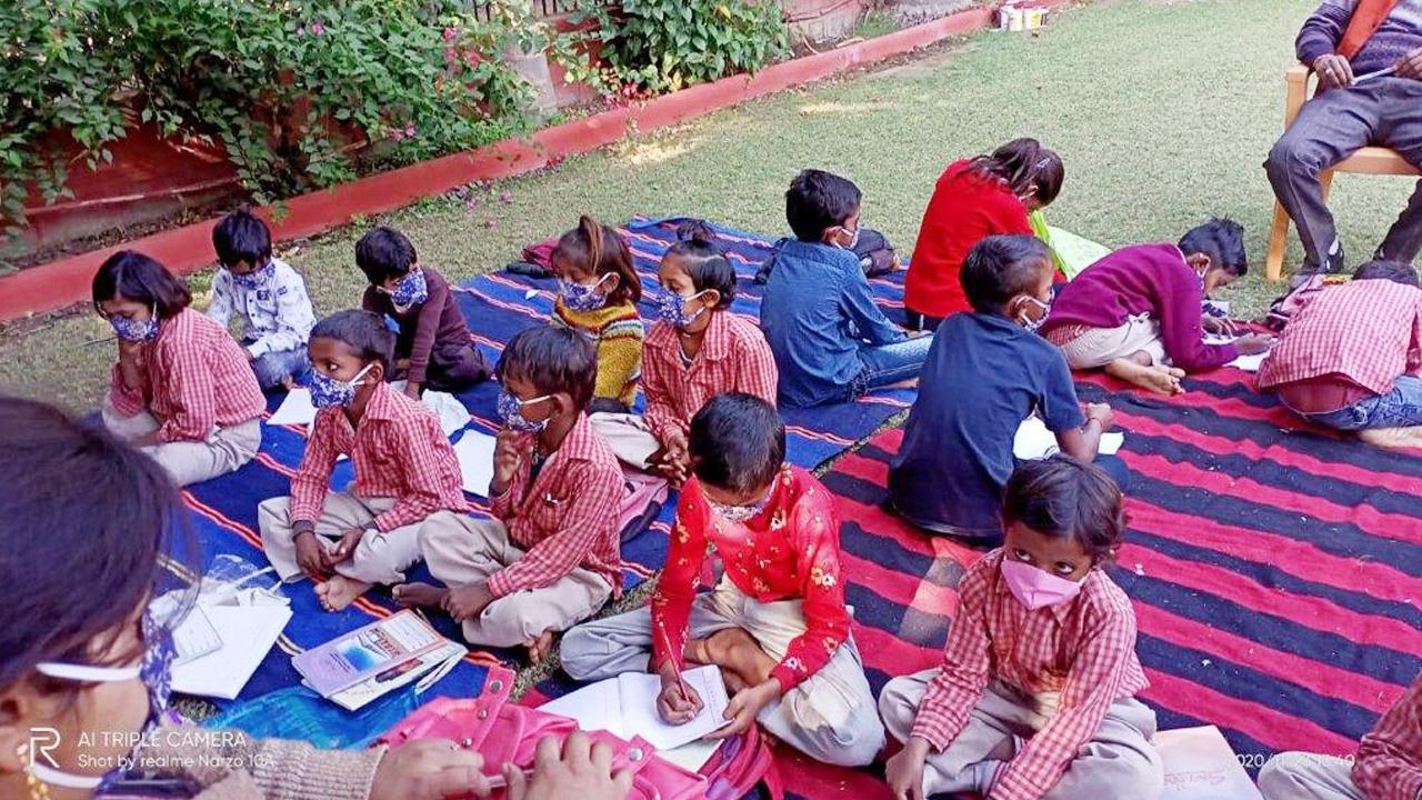 Mobile Classroom in Niswara 1