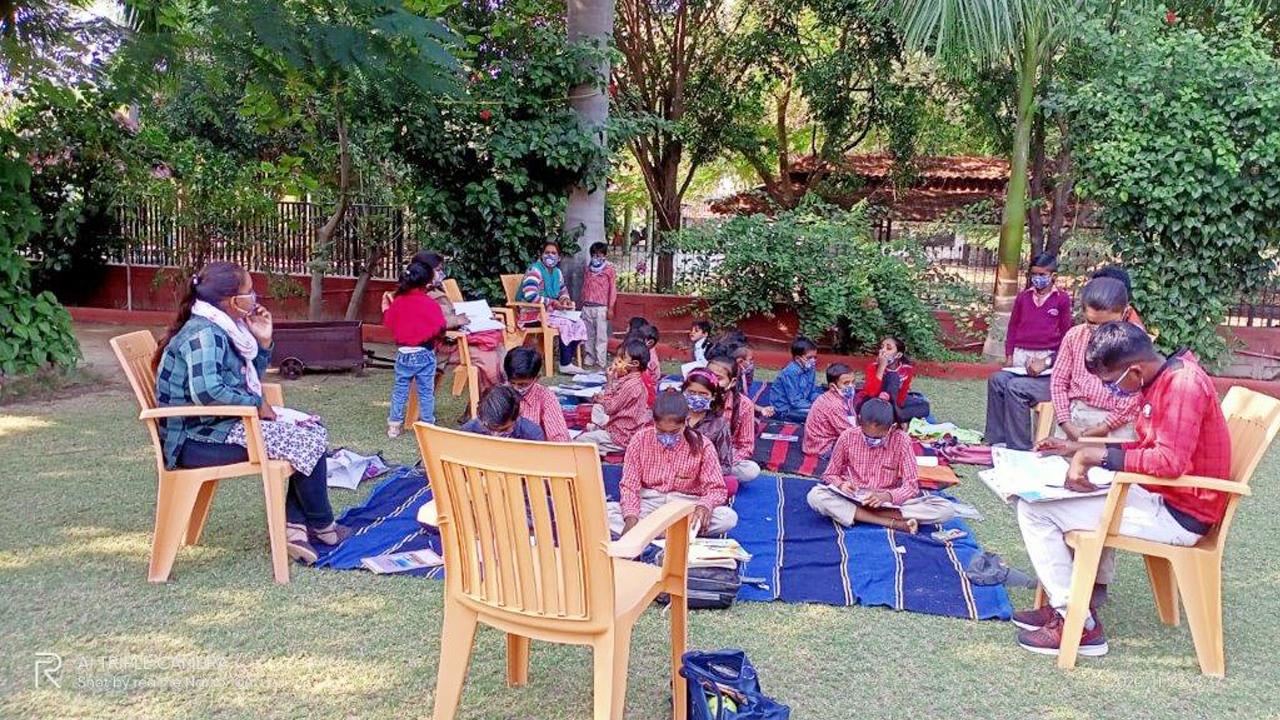 Mobile Classroom in Niswara 2