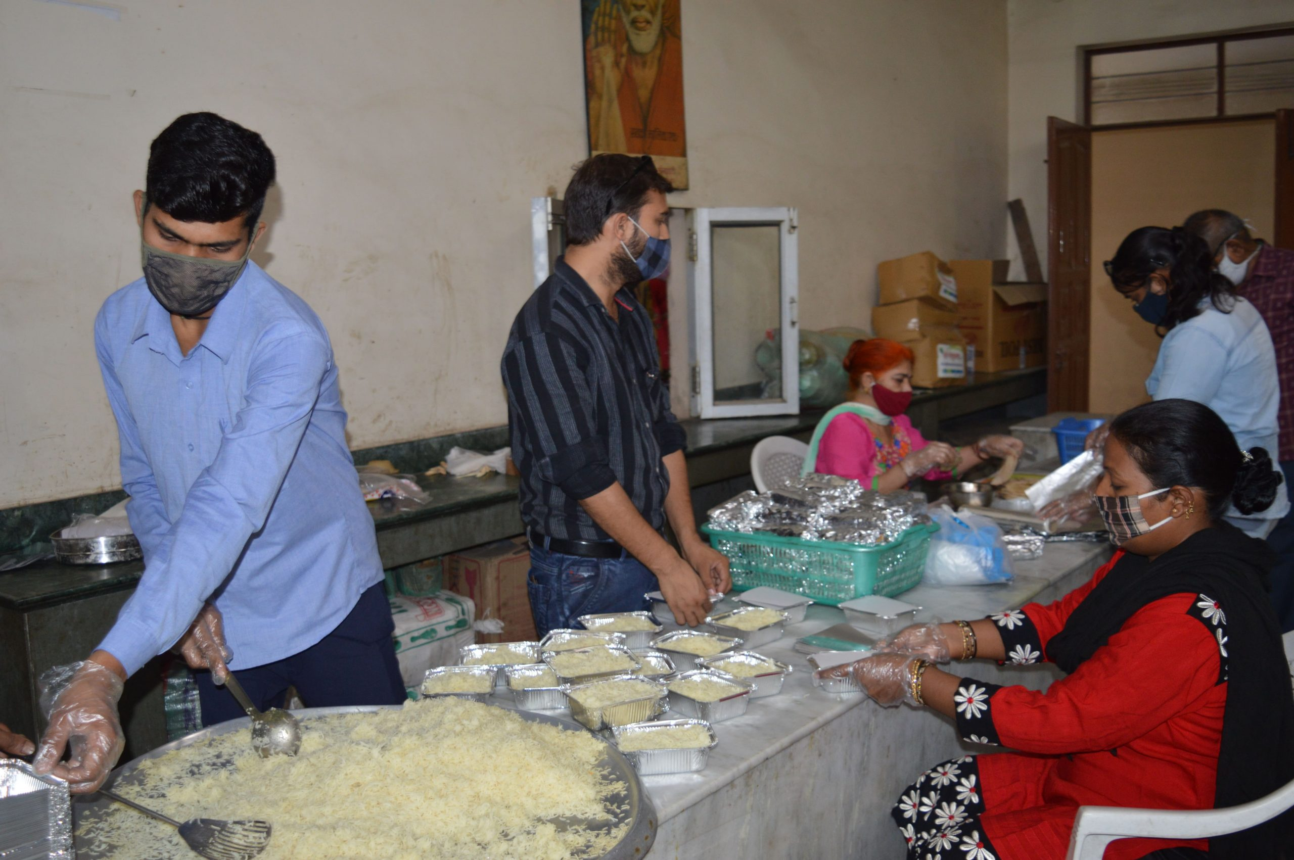 Packing Food for Distribution
